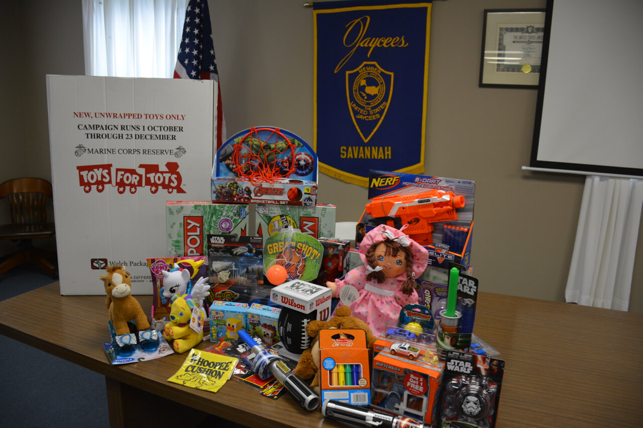 Toys For Tots Founder : Savannah jaycees present check and toy donations to marine