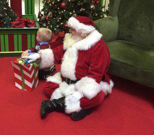 Savannah Mall Caring Santa 4